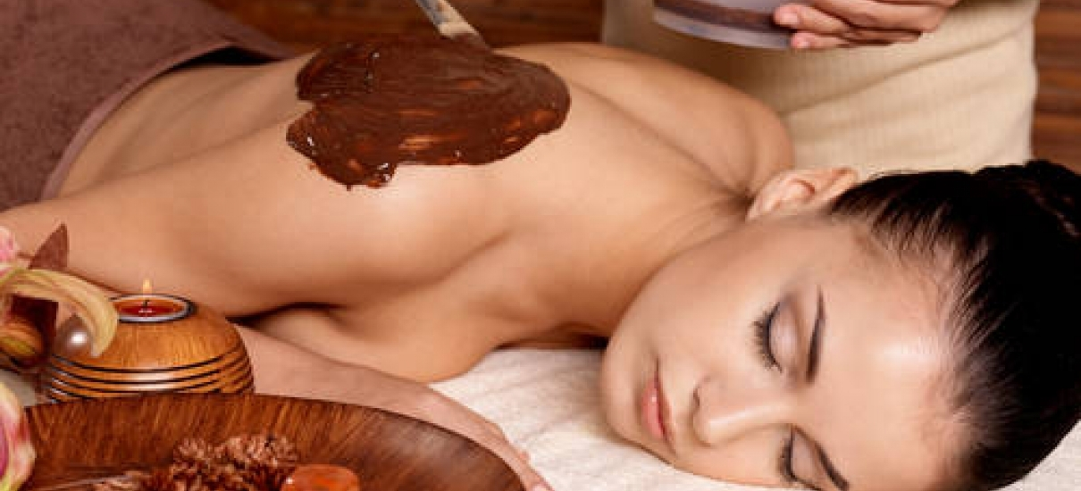 Massage with chocolate