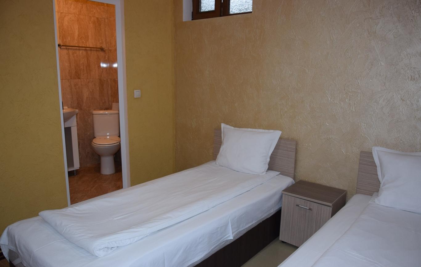 Стая  № 8